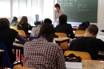 salle d'examen, salle de classe