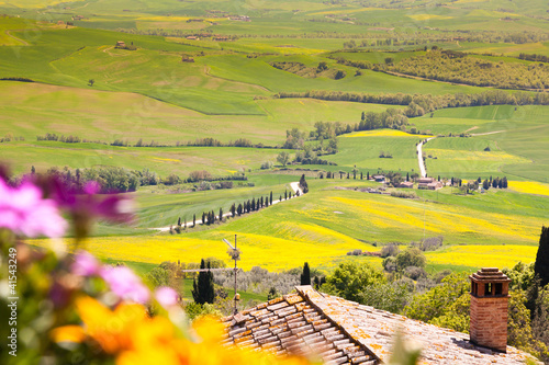 Leinwanddruck Bild View of a Typical Tuscany Landscape in Spring time