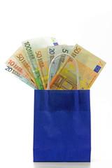 euro in einkaufstaschen