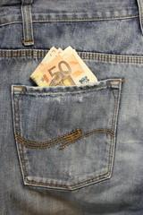 Jeans e tasca posteriore con euro