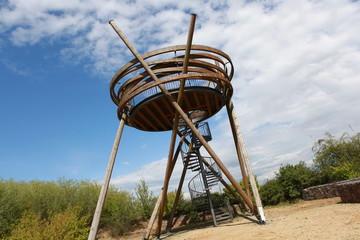Vogelnest Denkmal in Nahaufnahme
