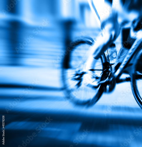 blue cyclist blur