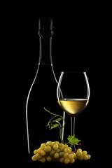 vino bianco in bottiglia