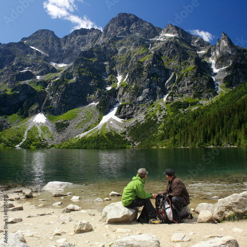 ćouple in the mountains