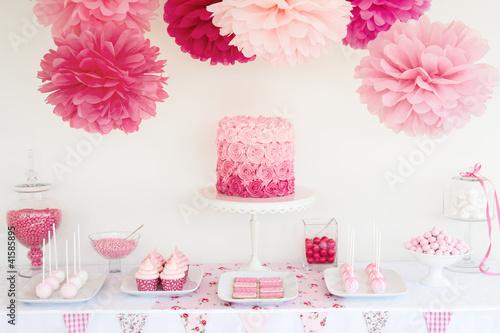 Dessert table - 41585895