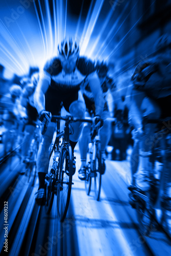 dynamic cycle race