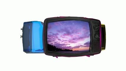 回転するテレビと一日の風景