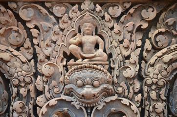 Detalle de los relieves del templo de Banteay Srei. Angkor.