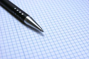 Bolígrafo, bloc de notas, hoja en blanco