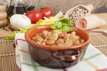 Beans with pigskin