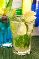 cocktail con menta e lime