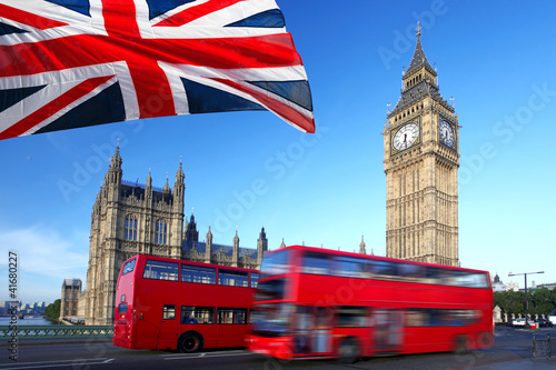 Fotobehang Londen Big Ben with city bus and flag of England, London