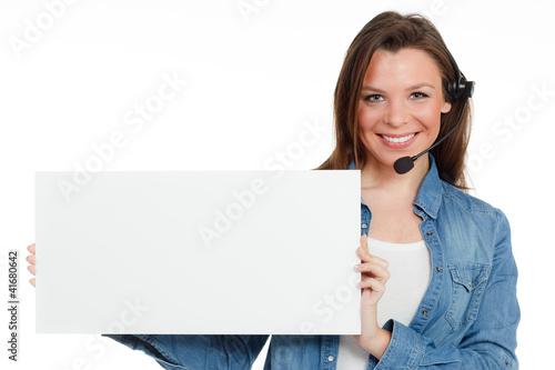 callcenter mitarbeiterin mit werbekarte