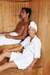 Leute in einer Sauna