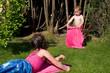 Kinder beim Sonnenbad