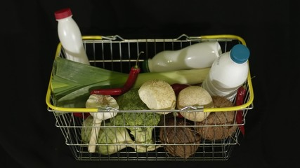 Products appear in shopping basket - timelapse