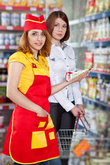 The seller and the buyer in grocery shop