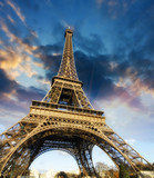 Fototapety Beautiful photo of the Eiffel tower in Paris with gorgeous sky c