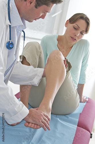 Ostéopathie - Examen du genoux