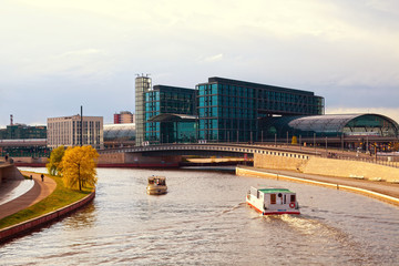 Berlin Hauptbahnhof‎ and the canals