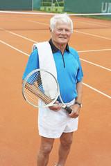 Älterer Tennisspieler