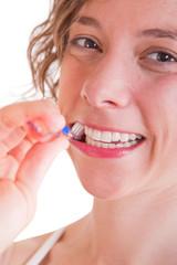 Weiße Zähne - Frau mit Zahnbürste