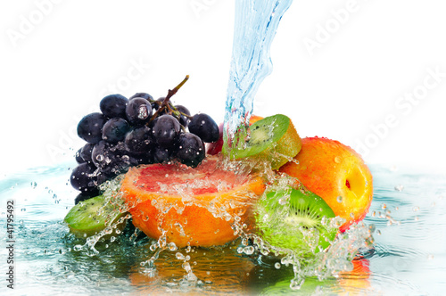 Panel Szklany fruit in a spray of water