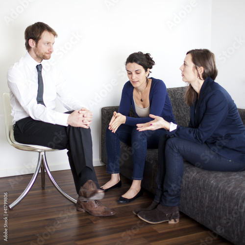 Problemlösung zwischen Geschäftspartnern bei Therapie