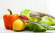 Bartagame mit Obst und Gemüse