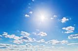 Fototapety Wolken vor blauem Himmel