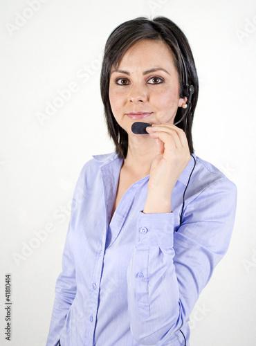 mujer joven bonita, con auriculares