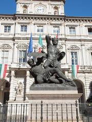 Conte Verde statue