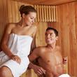 Schönes Paar in Sauna