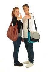 Zwei Schüler mit Tasche 5.12