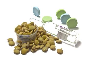 Проростки чечевицы с таблетками и ампулой