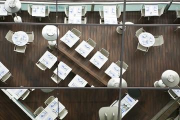 Restaurante reflejado