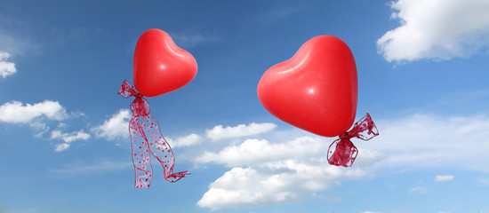 zwei Herzluftballons