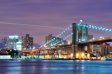 Brooklyn Bridge Spans the East River Towards Brooklyn