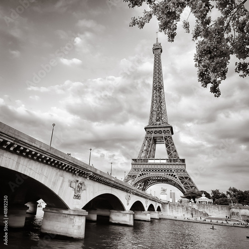 Wall mural Eiffel tower view from Seine river square format