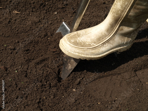 Digging with shovel