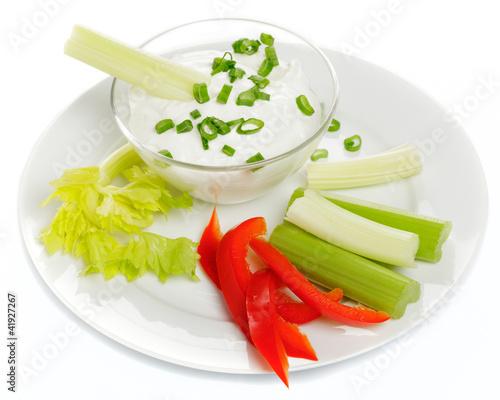 Dip mit Gemüse