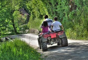 quad à la campagne