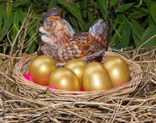 oeufs d'or et sa poule