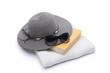 Buch mit Sonnenbrille und Sonnenhut - 41949659