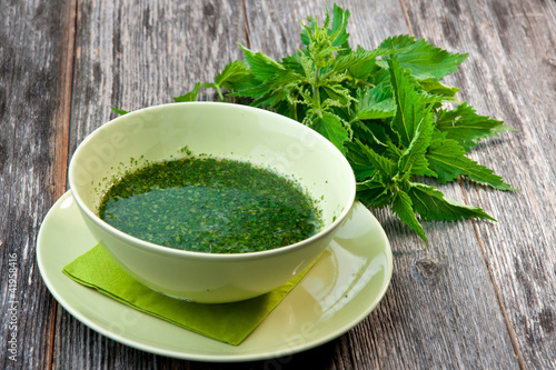Stringing nettle soup
