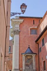 Edicola sacra in Vicolo della Scala - Trastevere