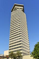 Das Edificio Colón ist ein Hochhaus in Barcelona