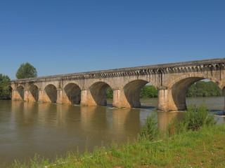 Canal des Deux Mers ; Ville d'Agen ; Lot et Garonne ; Aquitaine