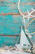 Sommerlicher Hintergrund mit Segelboot
