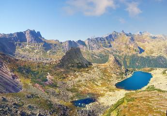 Гора Парабола и озеро Горных Духов. Сибирь.